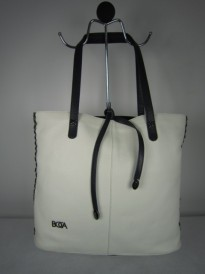 17.TORBA BOCA WHITE AND NAVY
